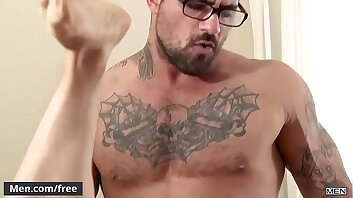 (Ethan Chase) Gobbling Up Ryan Bones Thick Juice Cock - Men.com
