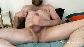 0077 - Hairy Daddy Bear jerking big dick and cums